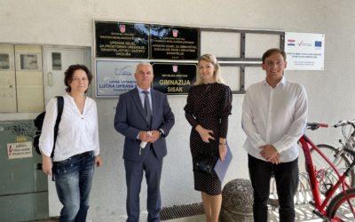 Donacija Gimnaziji Sisak – posjetili smo školu koja je novu školsku godinu započela u novom prostoru